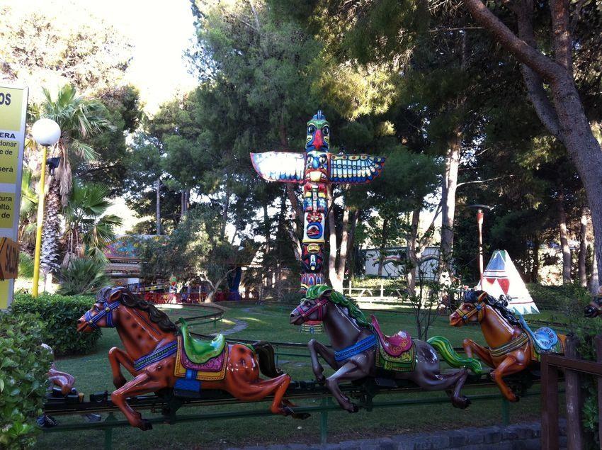 Fotos de caballos mecanicos en parque de atracciones de zaragoza pacommunity - Parque atracciones zaragoza ...