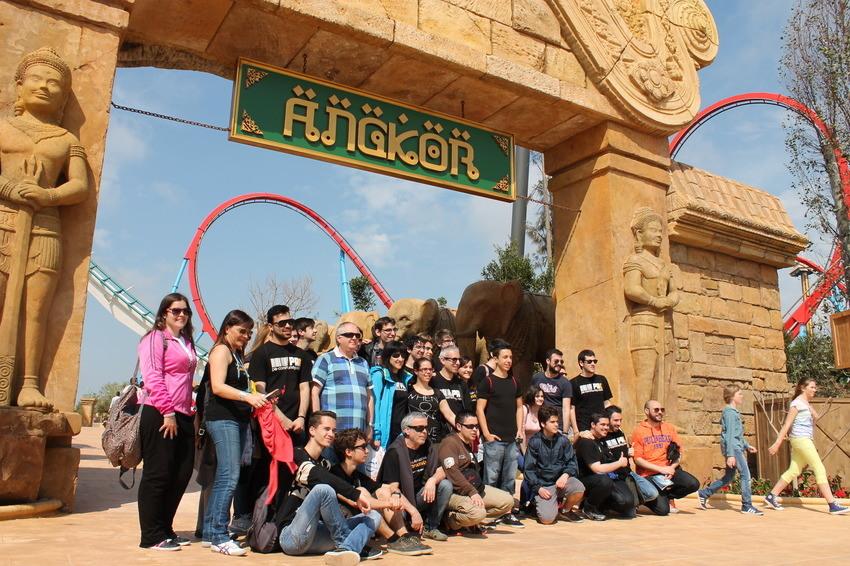 Todos en el portón de Angkor!