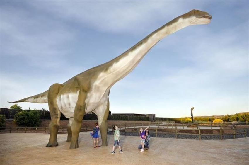 Parte del nuevo área de Dinopolis 'Tierra Magna'