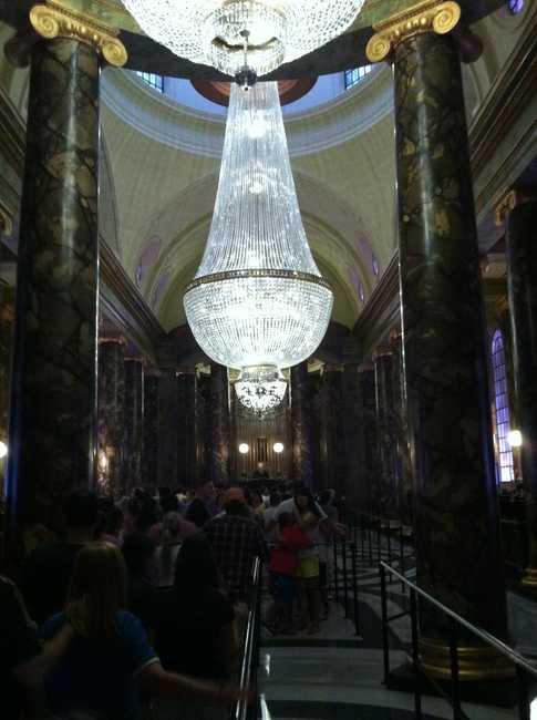 El gran salon de marmol