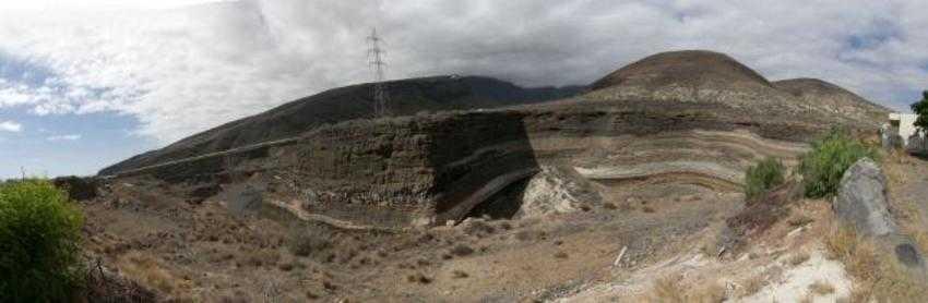 """Cantera """"los Aridos"""" zonda destinada al futuro parque"""